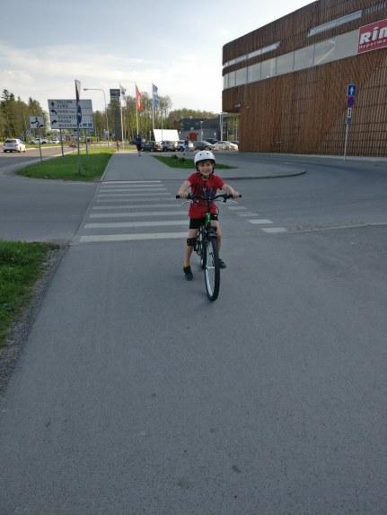 Ruubeni uus jalgratas :)
