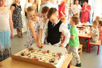 Lõpetajad oma tordiga